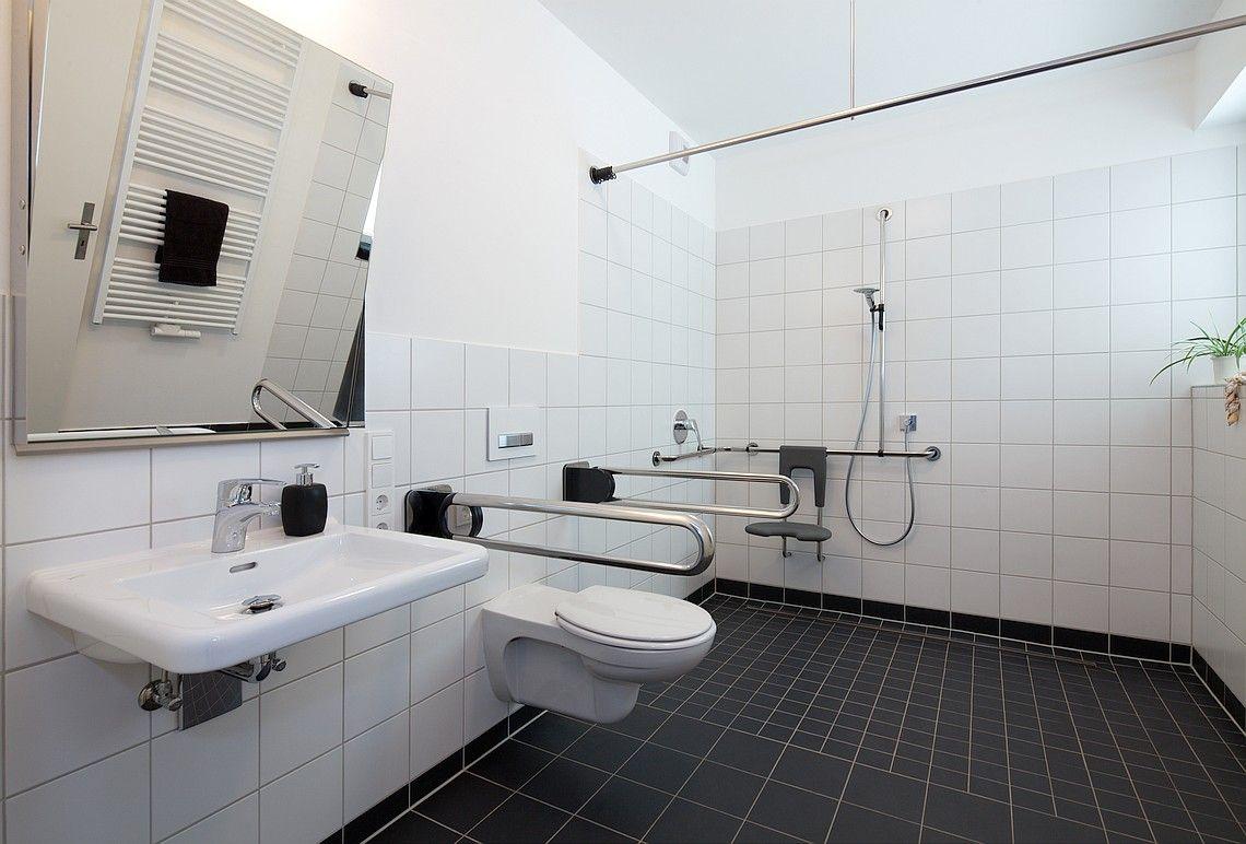 Barrierefreies Bad: Meisterbetrieb Die Olligs bringt Komfort ins Bad